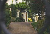 Rosenkrieg ums Haus – Wer bekommt das Haus bei der Scheidung?